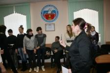 Модератор дискуссионного подиума-Сотникова Екатерина. День молодого избирателя в облизбиркоме.