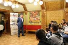 М.А. Туманов, заместитель председателя облизбиркома с напутствием командам.
