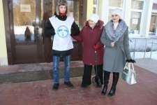 Волонтеры в г. Твери (избирательные участки в школе № 39)